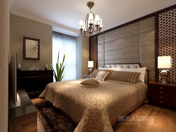 主卧室床头采用软包,两边以木质材料收边,处处吐露主人对中式的情有独钟。