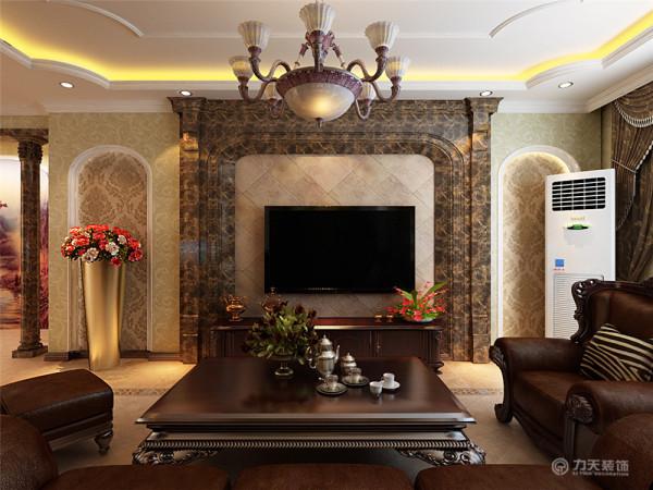 该户型为国耀上河城三室两厅两卫一厨135㎡,设计风格是欧式风格。