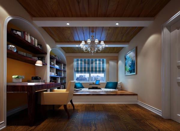 设计理念:欧式书房除了墙壁,地板的选择也不怎么随大流,在欧式书房中使用木制地板, 色彩淡雅。亮点:同样使用木地板,做了一排弧形小柜子,结合大吊灯,也不使书房显的昏暗,光线亮度正适合轻松读书。