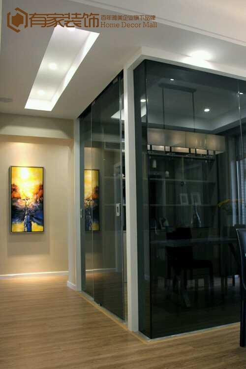 考虑书房的采光,用玻璃做隔墙
