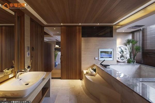 妆点绿意将户外景致延伸至汤屋,流线型的踏阶于浴池内外铺展,打造可坐可卧的休憩自由。