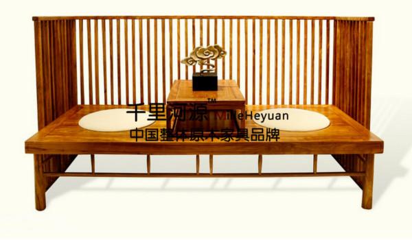 千里河源木业有限公司:千里河源主要生产高档中式 美式 法式实木古典家具。至今公司已经成功开发了套房系列、客厅系列和餐厅系列家具,这些产品散发着浓郁的古典美,给人以高贵、典雅、舒适的感觉。