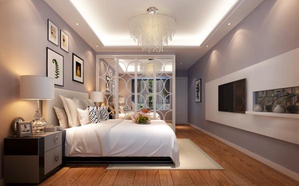 卧室的整体空间是比较难处理的一个空间度,因为主卧带个卫生间,主卧整体空间看上去没有那么的大了,但是加了柜子之后整体空间又会显得小