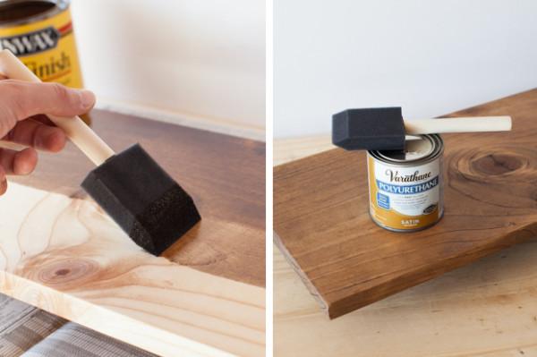 7. 用聚氨酯,木板染色和密封。