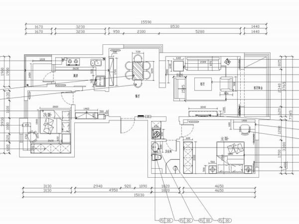 从入户门开始,右手边是客餐厅,客厅带有一个休闲阳台,可用来作为娱乐区或者储物区,影视墙相对来说比较残缺,带有一个门洞口,在后期的设计上会要费一些功夫,沙发墙较长,为了配合电视墙形成对称效果