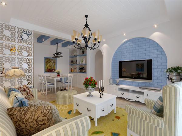 客厅区域以拱形做造型,蓝色木质做装饰板,精致纯朴。地中海风格小吊灯,拱形门,条纹布艺沙发,白色木质桌椅,把家装饰的精致温馨。