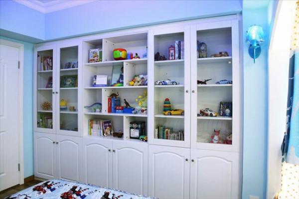 """""""地中海个性""""的家居,会采用这么几种规划元素:白灰泥墙、接连的拱廊与拱门,陶砖、海蓝色的屋瓦和门窗。"""