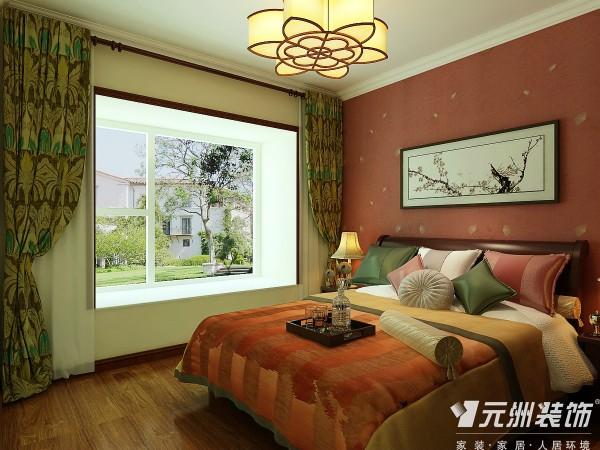卧室没有过多的造型,色彩选择了红色,红色是中国文化里面最重要的组成部门,没有红色你怎么敢说是中式!