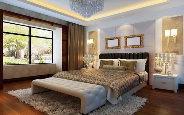 黑色的床加上浅色床上用品,黑与咖色的对比奠定了卧室大气的基调,卧室灯和台灯壁灯的结合增添了卧室的浪漫氛围和整体协调.
