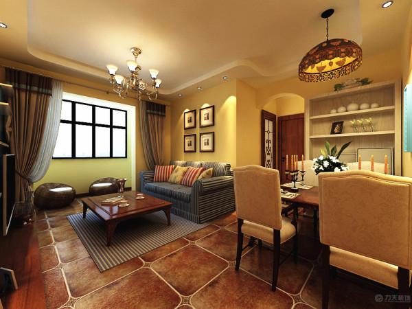 餐厅的设计,餐厅的中间放置了一个极具地中海特色的彩片灯,在餐厅和其他区域之间的拱门较为抢眼。餐桌后面的白色柜子,增加了储物空间。添加的绿色的植物起到了点缀的作用。
