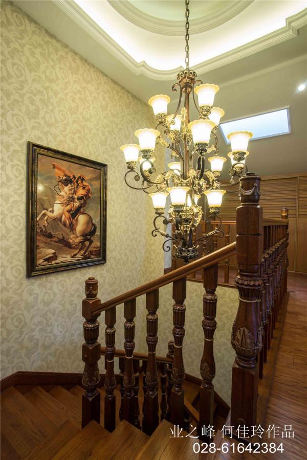 美式风格楼梯实景图