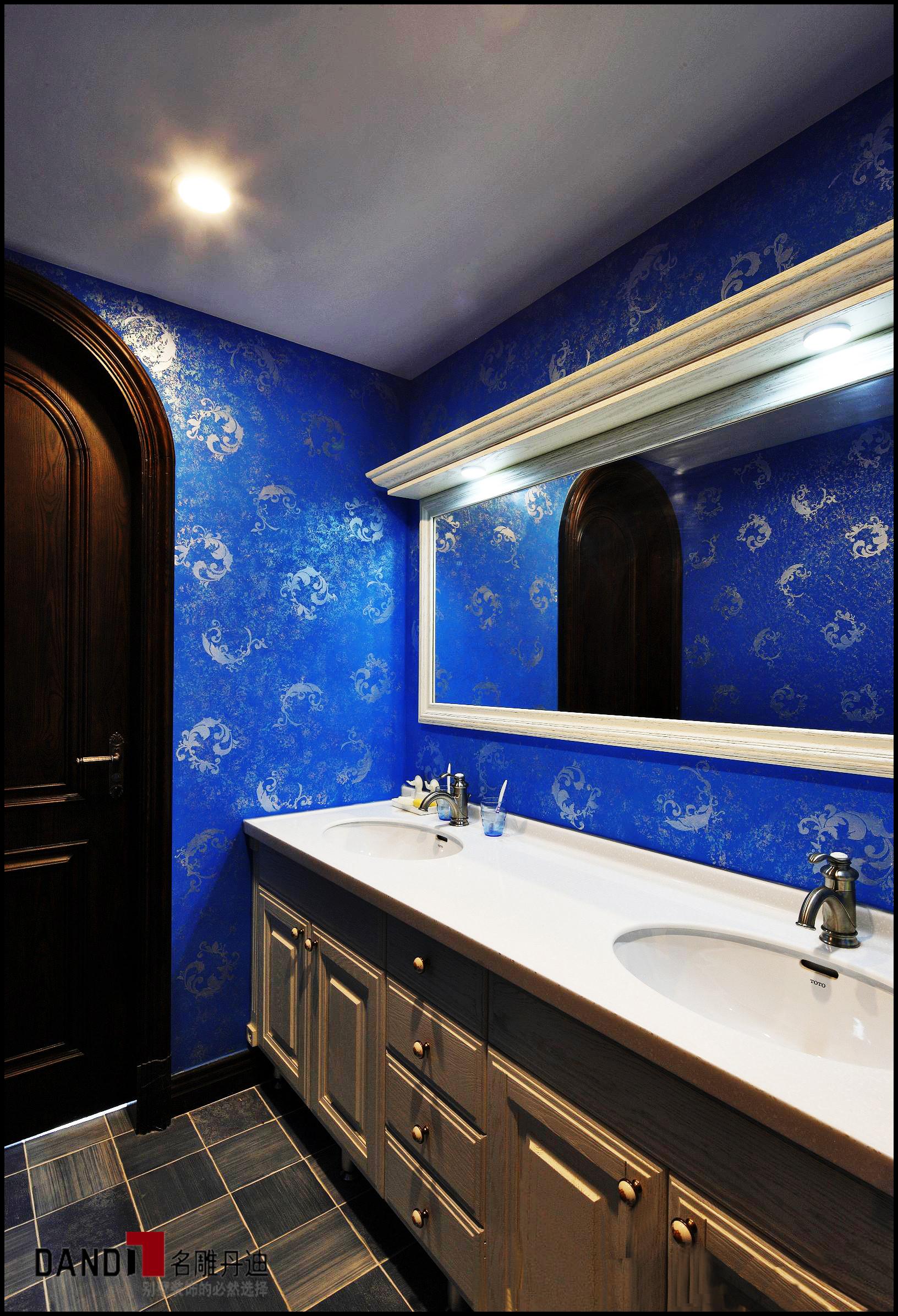 风格西班牙模特居家随意富有情趣卫生间卫生间情趣内衣别墅赚能图片