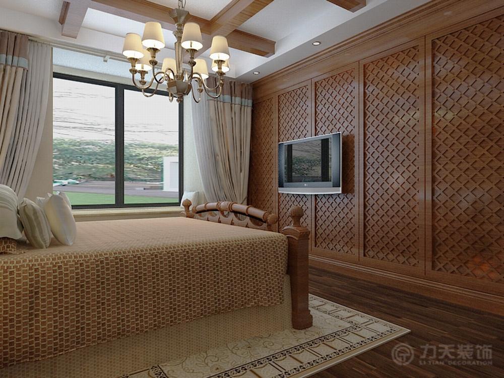 床头背景墙采用木色文理造型,床也是实木的,增加地中海气氛.图片