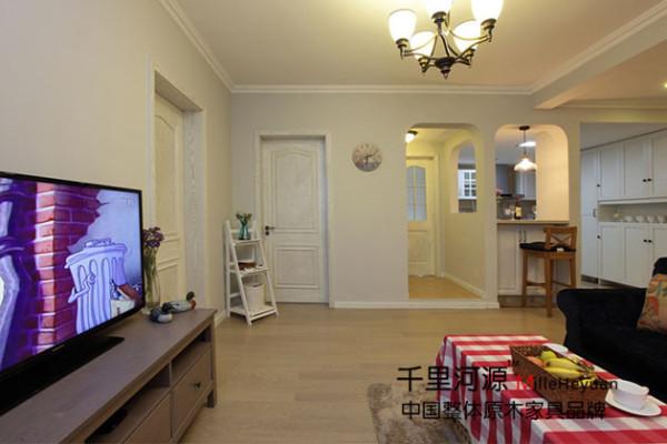 宁波千里河源木业有限公司:千里河源主要生产高档欧式中式 美式 法式实木古典家具。