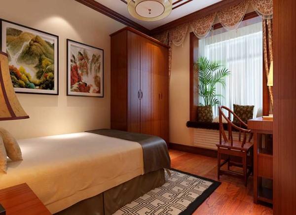 卧室家具是运用了清式的红木家具,顶面采用了木线、角花跟木花格作为装饰。直线装饰在空间的使用。