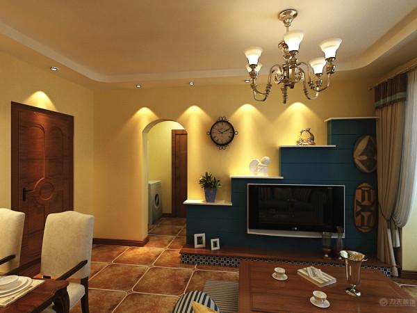 电视背景墙后面采用了拱门的造型,因为地中海风格的建筑特色就是拱门。