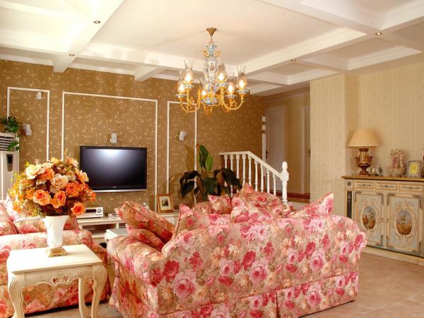 本户型为海河大观四室两厅的户型,本案设计风格为美式风格。