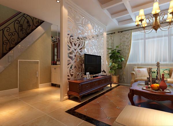 以木质的白的雕花屏风为电视背景墙白色屏风与深红色实木电视柜的搭配,不仅使整个空间层次丰富而且更体现了主人的品味。