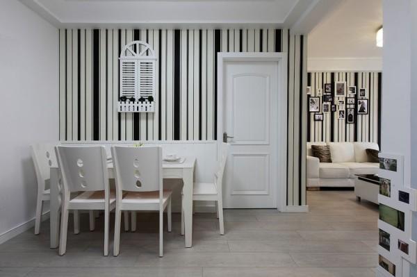 标筑装饰装修-餐厅餐桌
