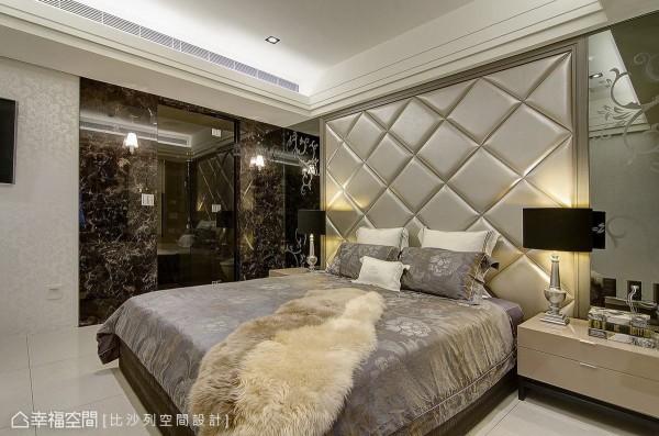 纳入了精品旅店的设计概念,以茶玻作为门面穿透,让空间添增了不少细腻精致。