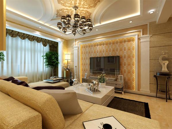电视背景墙采用欧式典型的石膏线造型搭配罗马柱