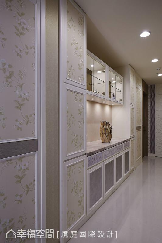 透过足量展示柜体规划,让屋主珍藏拥有最佳演绎舞台。