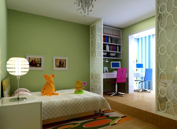 淡绿色的墙漆显得整个房间生机勃勃,寓意着小树苗要健康快乐的成长。入墙式的书柜,合理的运用空间,让整个房间显的更加整洁。