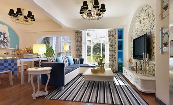 用清爽的材质与清新的色调使客厅空间更显宽敞、明亮。 电视背景墙选用贝壳壁纸和拱门造型将地中海风格展现的淋漓尽致