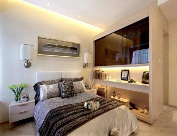 卧室的设计中尽可能地将空间视觉敞开、归纳。保留原建筑功能的同时,去丰富形体结构造型及附属功能区域,提升业主生活细节及品味,空间的展示紧紧的契合了户型风格主题。