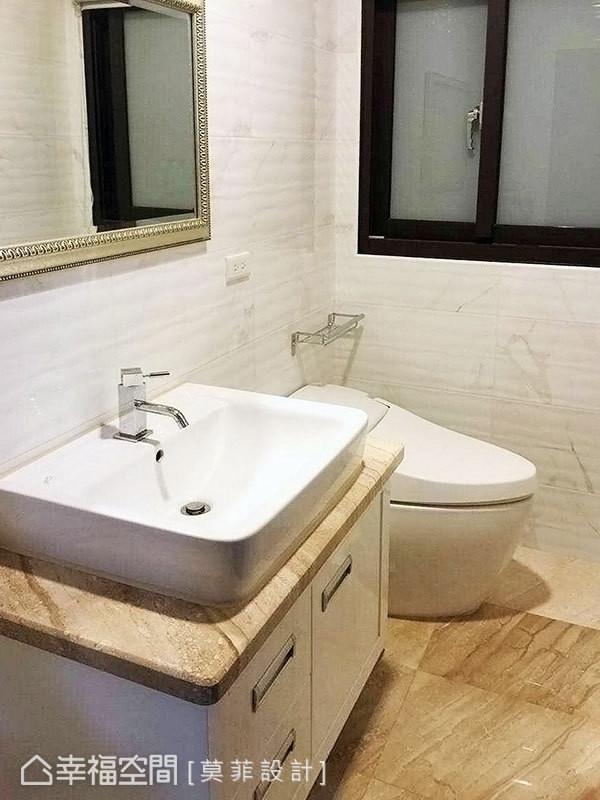 建商所配以的砖材,延续性展现公领域的质感与居宅规格。