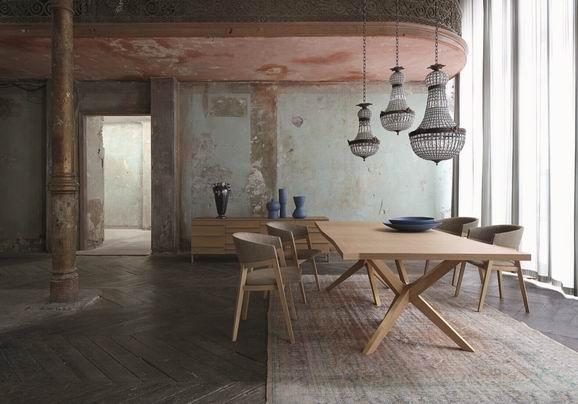 今年秋冬,rochebobois的家居新品又带给我们新的搭配灵感。对高端国际家居品牌了如指掌的例外设计师,同样关注Rochebobois的每一期新品发布,从中汲取灵感与艺术启示。