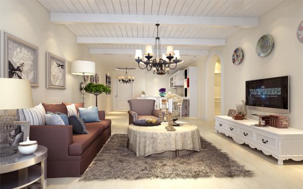 电视背景墙采用米白色的墙漆,没有采用复杂的造型,装饰性的磁盘挂在墙上,增添了几分艺术感 亮点:吊顶的设计采用了假梁,让空间有延伸感。