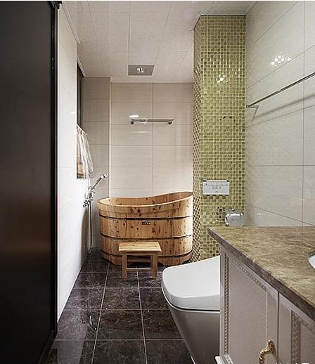卫生间的设计显得很是质朴,中式的浴桶显得相当的独特,给人有种别样的情怀,同样在一侧的马赛克的墙砖显得别具一格、美观而时尚。