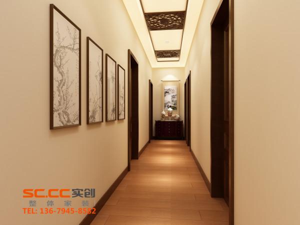 顶面采用花格状吊顶,凸显中式风格的古朴典雅,狭窄的走廊采用白色墙漆图片