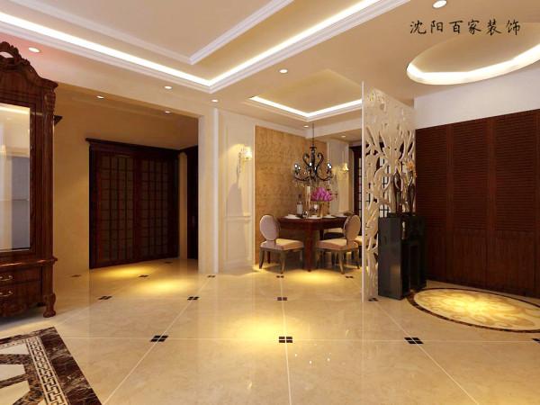 入口的玄关设计侧面大面积墙的鞋柜满足生活要求,对面采用镂空雕花通透又不失私密