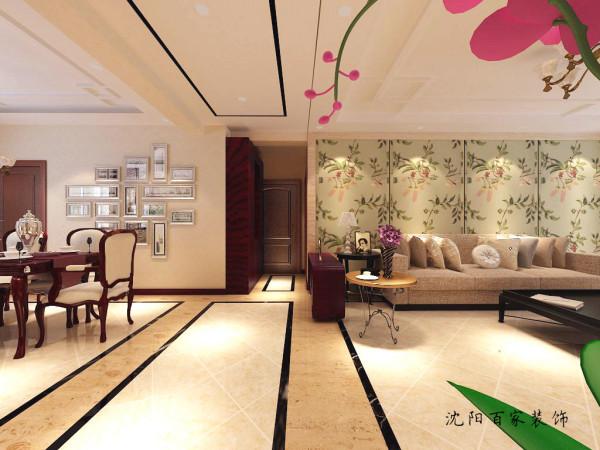 沙发背景墙采用花卉壁布装饰,让空间更显温馨,也化解背景墙地面大理石的冷硬。