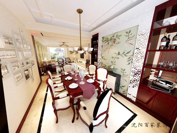餐厅区域采用大面积镜面酒柜的结合,让餐厅区域更加宽阔。棚面采用石膏板造型并没有加以往的灯带设计,更显干净整洁。