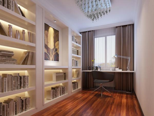 书房实景图  设计说明:书房的设计考虑到实用性,巨大的容纳空间既可以摆放主人喜欢的工艺品,还能收藏很多书籍。整体营造一种安静的氛围,更利于主人有一个舒适的环境游走在书海之中。