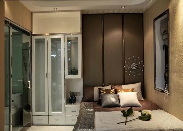 卧室的设计业是采用的同客厅一样的设计感觉,个性化强,很独特。