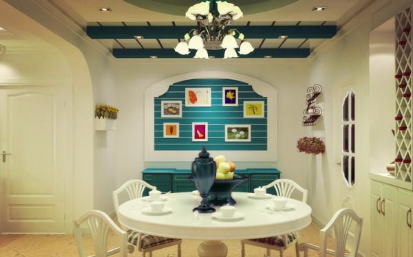 在走动的观赏中,出现延伸般的透视感,此外,家中餐厅的墙面处,均运用半穿凿的方式来塑室内的景中窗。