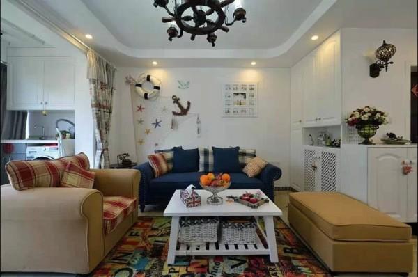 客厅作为整套方案的重点设计,地中海情调浓郁,很有地方特色。