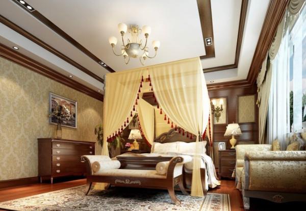 卧室新古典设计:以业主喜欢美式新古典的风格,打造卧室,让空间空间加以古风床帘,更为优雅