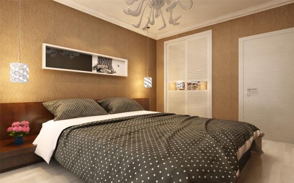 卧室大致格调偏黄灰色,床头挂画用的是现代风的挂画。衣柜区以白色为主为整个空间加一点缀。灯具设计为造型灯,使房间看起来更加温馨且个性。