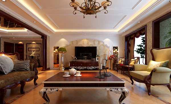 """设计理念:""""沉醉奢华""""是典型的古典欧式风格,这种风格的特点是典雅华贵,具有浓厚的文化气息。而且客厅在配饰上,金黄色和红木的配饰衬托出古典家具的高贵与优雅,"""