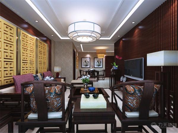 沙发背景 墙是中式特有的雕文。配上中式的沙发桌椅,烘托出中式的氛围。影视墙 更是将中式的特点突出的淋漓尽致,电视柜的边上放置了小绿植,减少辐 射的同时美化了室内。客餐厅的地面通铺木地板。不仅美观又实用。