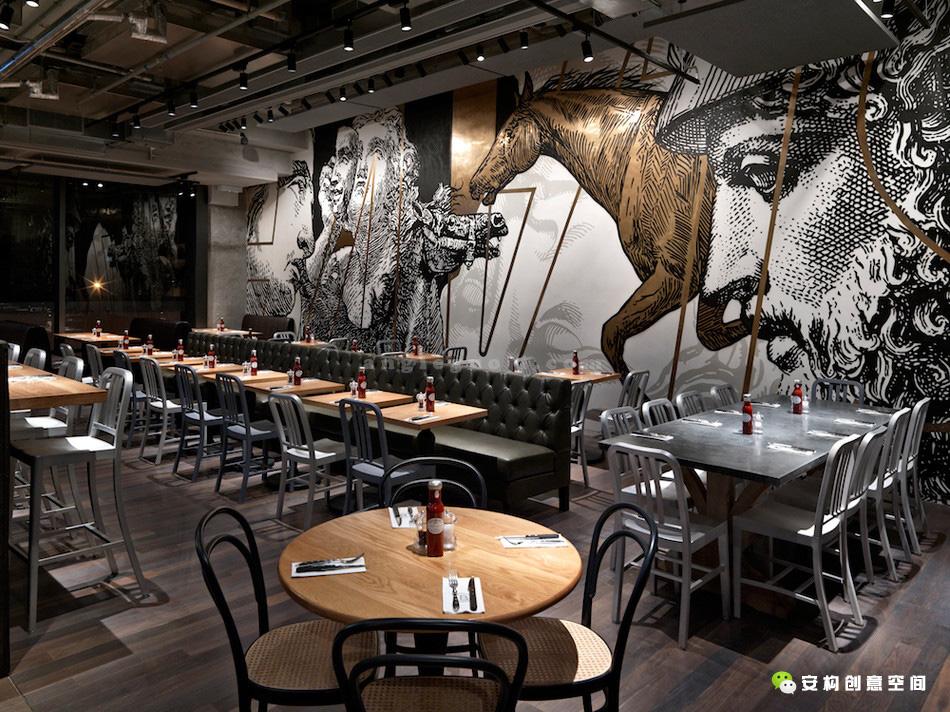 这座坐落在数量不断增加的精品店和咖啡厅之间的餐厅能容纳83位就餐者图片