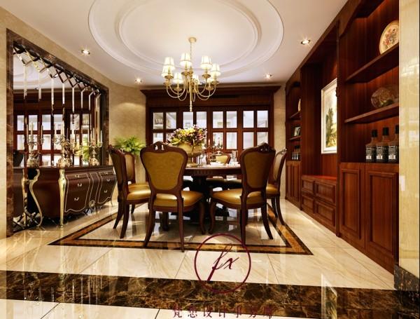 餐厅设计师设计了一组展示柜,既可以摆放着业主喜欢和红酒和收藏品、工业品