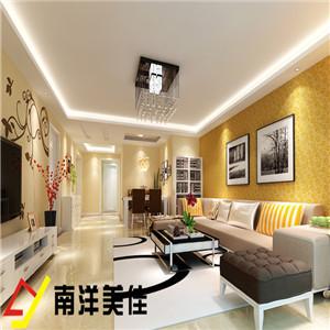 电视背景墙是以壁纸与花藤组合成的美丽画面,体现了主人的内蕴品性。沙发造型是简洁的单色块体组合沙发,大气整体以简为美。