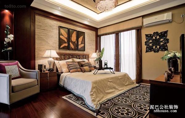 主卧室,地毯很有个性喔