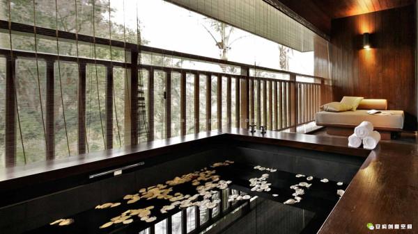 """建筑师着力打造一个无论从规划、景观和建筑设计是""""仅此一家"""",并拥有独特的""""标志性特征""""的度假酒店,为来此处的所有游客提供独一无二的环境。"""
